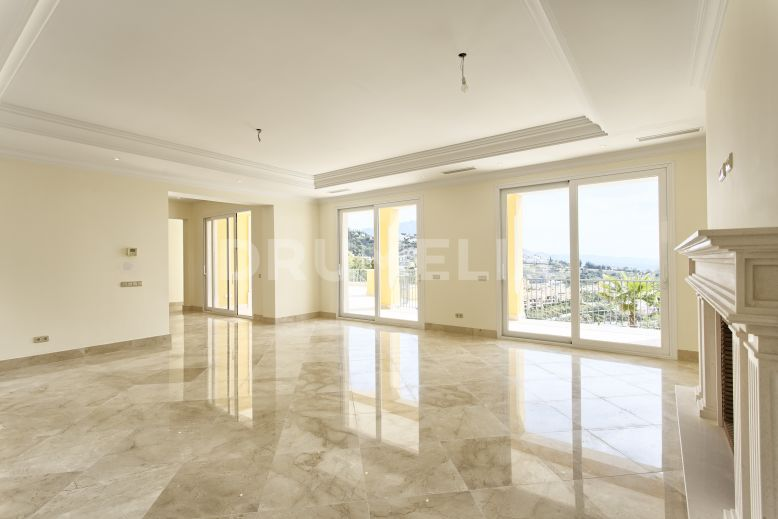 Benahavis, Impressive Modern New Luxury Villa, Los Arqueros Golf Resort, Benahavis