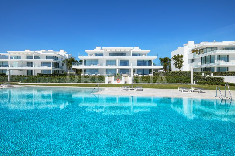 Estepona, One of a kind State of Art Luxury Beachfront Apartment with Sea Views, Estepona