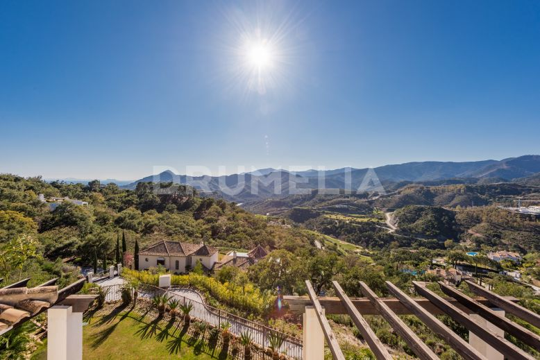 Benahavis, Remarkable Plot and Guest Villa in  Zagaleta, Benahavis