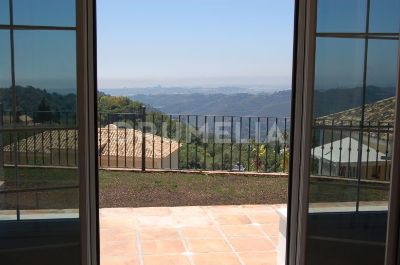Istan, Wonderful Luxury Villa with Panoramic Views, Sierra Blanca Country Club, Istan