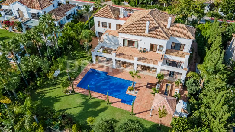 Marbella Golden Mile, Beautiful High- End Mediterranean Villa with Southern Charm in Sierra Blanca