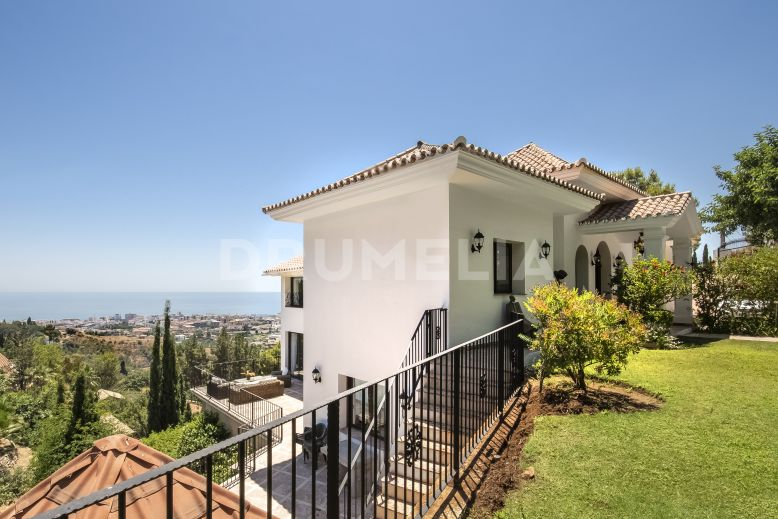 Marbella, Astonishing Luxury Villa with Panoramic Views in La Montua, Marbella.