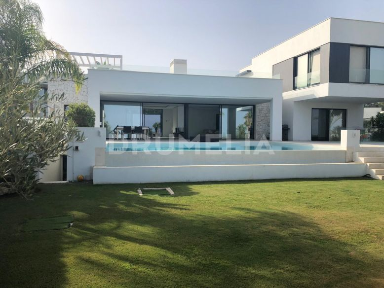 Benahavis, Contemporary Villa with Sea Views, La Alqueria, Benahavis
