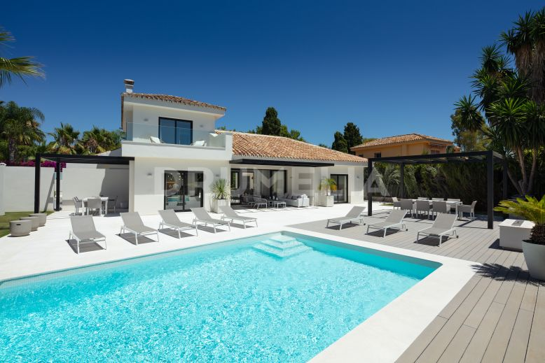 San Pedro de Alcantara, Superbly Renovated Stylish Beachside Villa in Cortijo Blanco, San Pedro