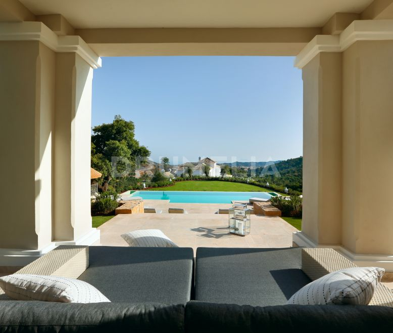 Benahavis, Magnificent Frontline Golf Luxury Villa in Marbella Club Golf Resort