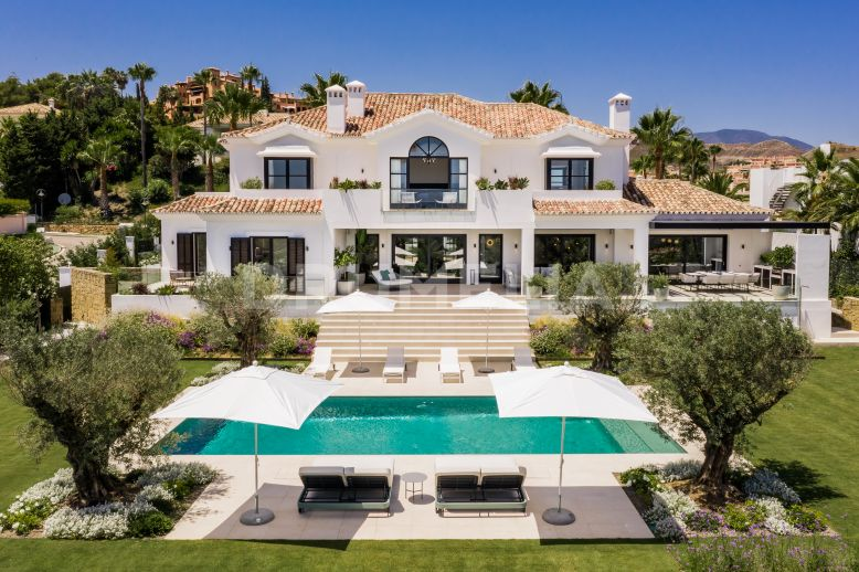 Nueva Andalucia, Impressive Modern Grand Villa with Sea Views, La Cerquilla.