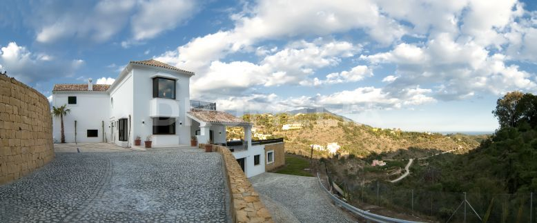 Benahavis, New Modern Mediterranean Villa with Guest House, El Madroñal, Benahavis