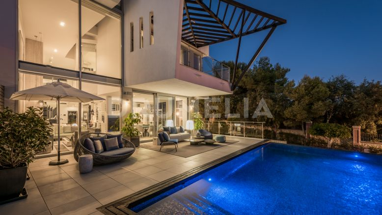 Marbella Golden Mile, Stylish, Eclectic Modern Semi-Detached,  Designer Villa, Sierra Blanca