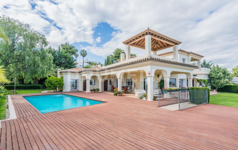 Villa  for sale in  Paraiso Alto - Benahavis Villa