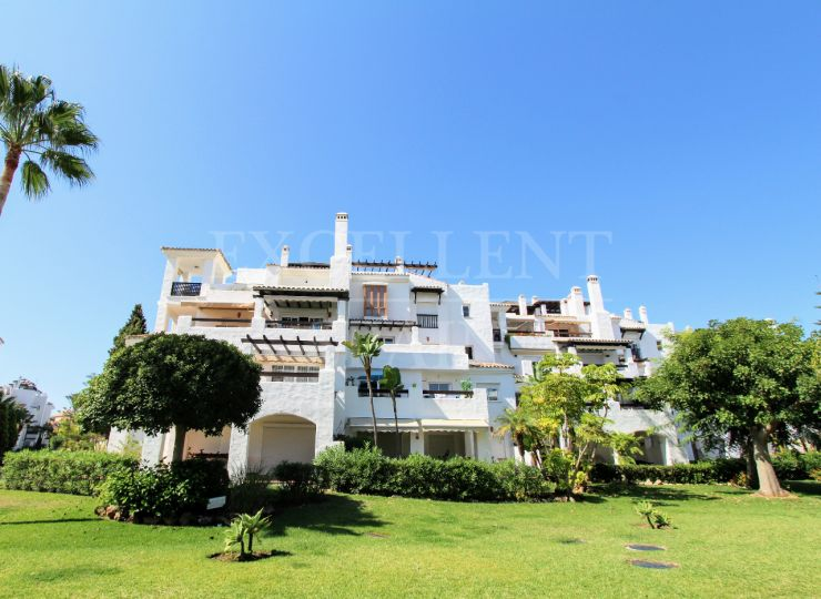 Las Adelfas, San Pedro, renovated apartment for sale