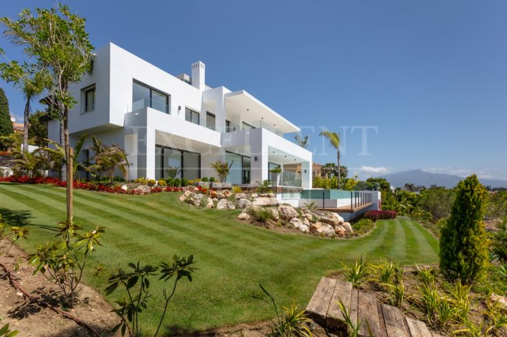 El Paraiso, Estepona, stunning contemporary villa for sale