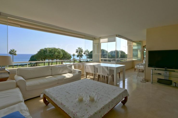 Los Granados de Cabopino, Marbella East, apartment for sale with panoramic sea views