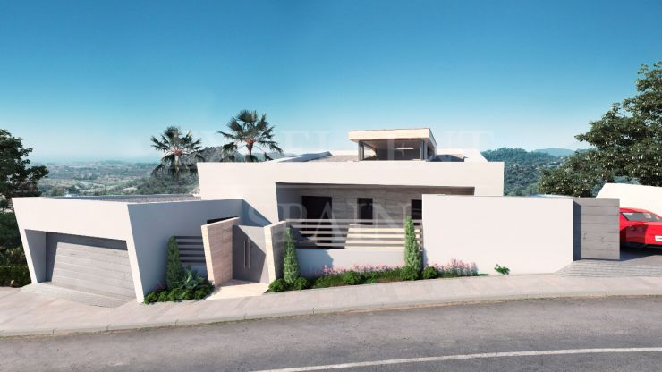 Contemporary villa under construction in Los Arqueros Golf, Benahavis