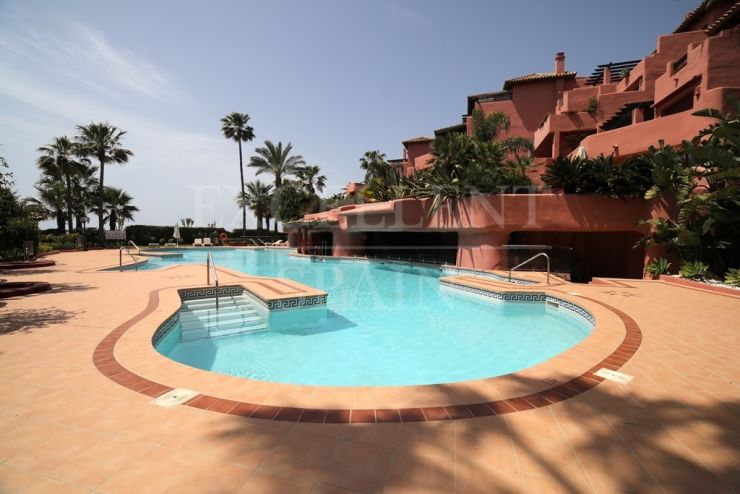 Estepona, Menara Beach, Costa del Sol, luxurious apartment for sale
