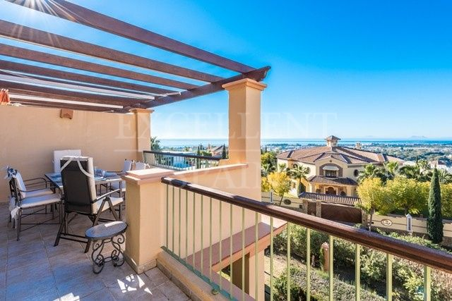 Penthouse with panoramic sea views in Four Seasons, Los Flamingos, Benahavis