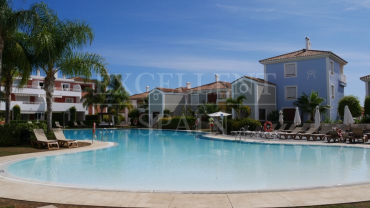Cortijo del Mar, Estepona, penthouse for sale close to amenities
