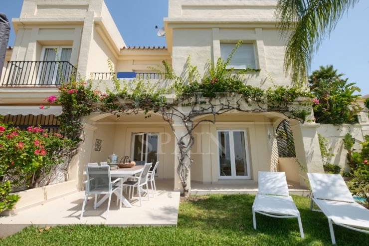 La Quinta Hills, Benahavis, townhouse for sale with excellent sea views