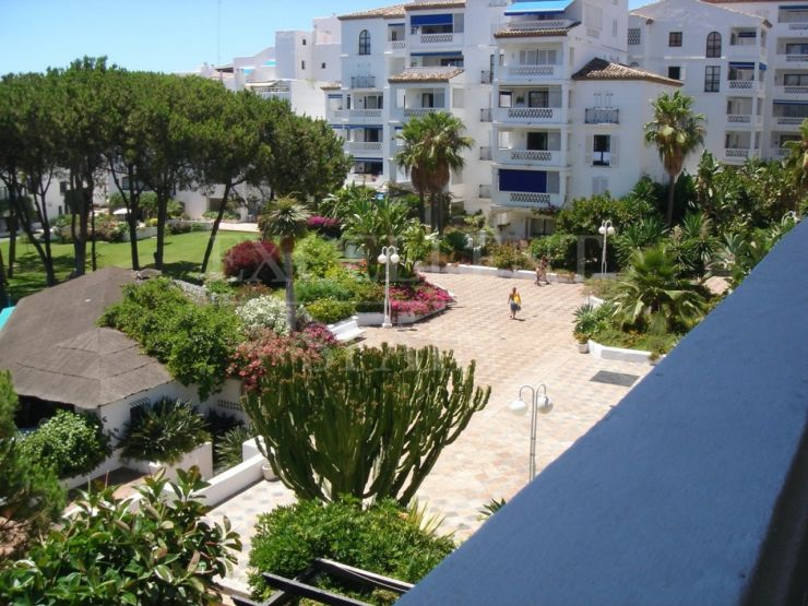 Playas del Duque, Puerto Banus, great apartment for sale