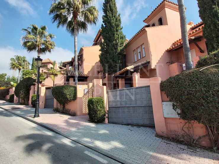 Large townhouse for sale in Marbella center