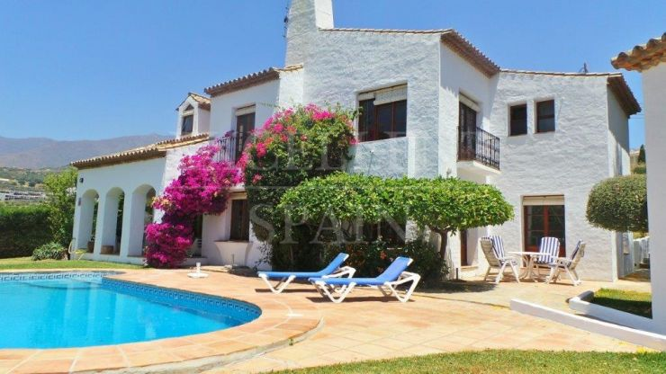 Valle Romano, Estepona, Andalusian style villa for sale