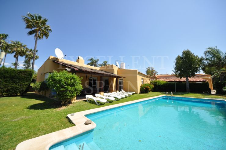 Valle del Sol, San Pedro, Villa with 2 guesthouses for sale