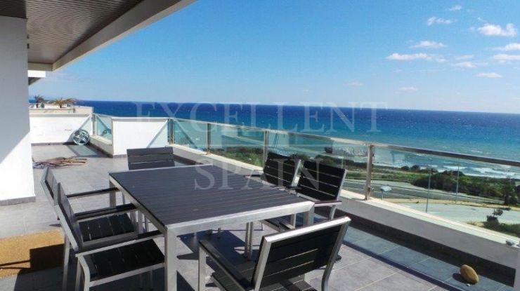 Camarate Golf, Casares, penthouse with panoramic sea views for sale