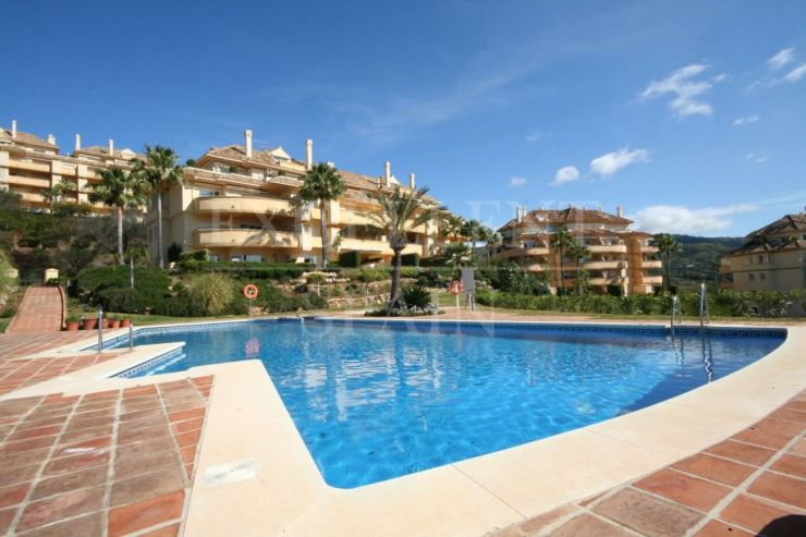 Elvira Hills, Marbella East, penthouse with panoramic sea views for sale