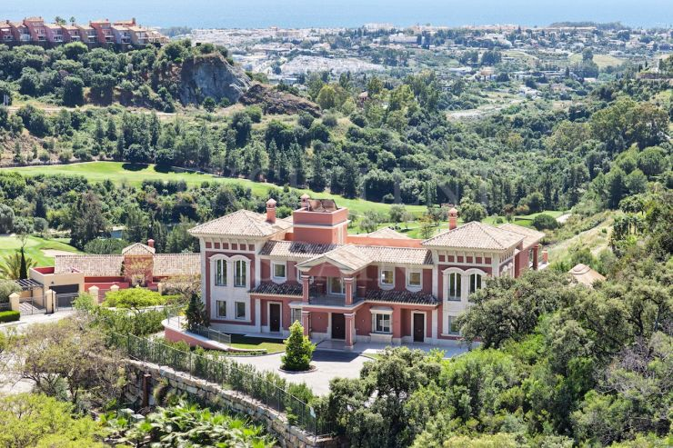 Los Arqueros, Benahavis, South facing, spectacular mansion with great panoramic sea views for sale