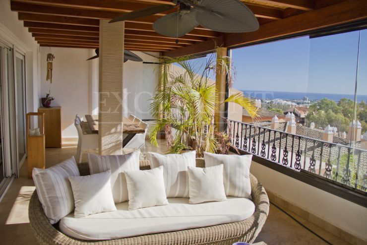 Vista Real, Nueva Andalucia, penthouse with sea views for sale
