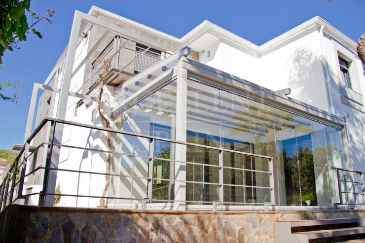 Nueva Andalucia, next to La Sala, completely renovated contemporary villa for sale