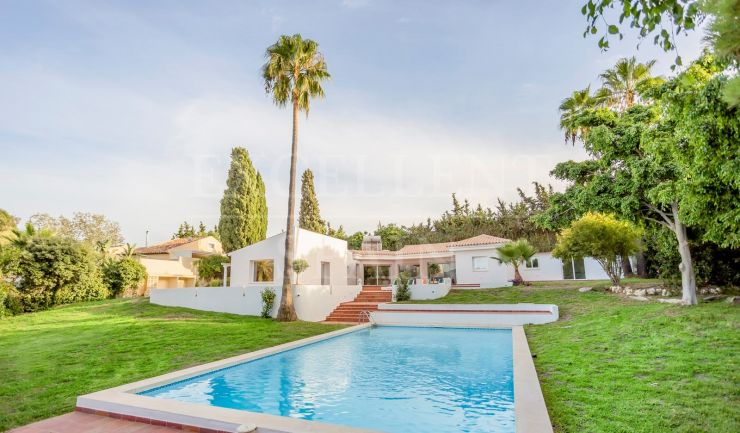 Reinoso, El Padron, Estepona, beautiful villa for sale close to the beach