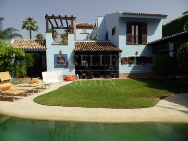 Marbella Golden Mile, Nagueles, Andalucia style villa for sale