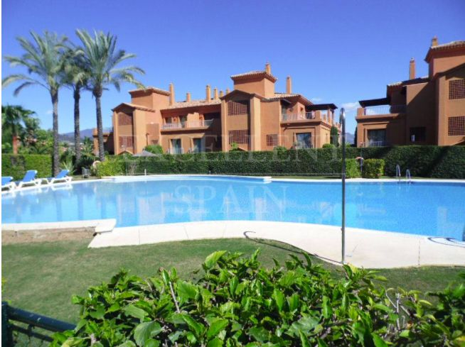 Benatalaya, Benahavis, beautiful penthouse with sea views for sale