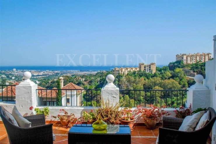 Las Colinas de Marbella, Benahavis, apartment with panoramic sea views