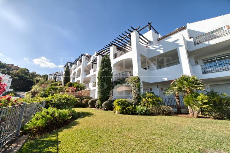 Altos de la Quinta, Benahavis, nice apartment for sale