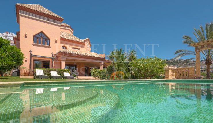 Los Arqueros, Benahavis, Costa del Sol, frontline golf villa for sale