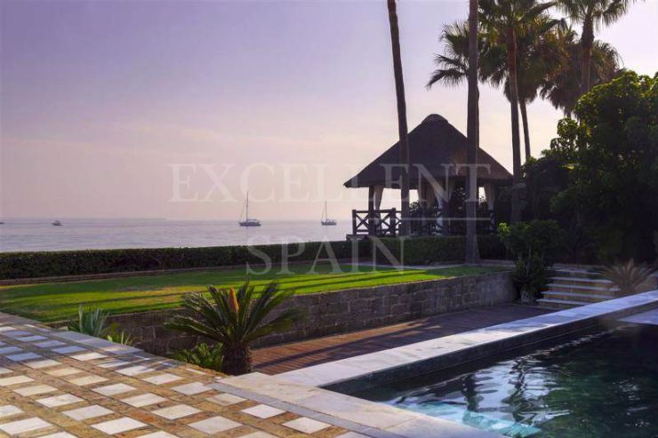 Los Monteros Playa, Marbella East, fantastic beachfront property for sale