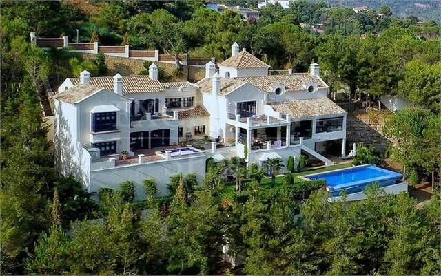 El Madroñal, Benahavis, luxurious villa for sale with panoramic views