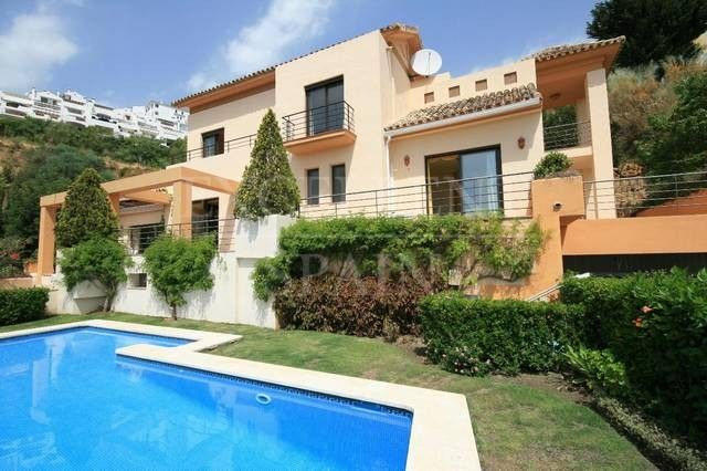 Los Arqueros, Benahavis, Villa for sale