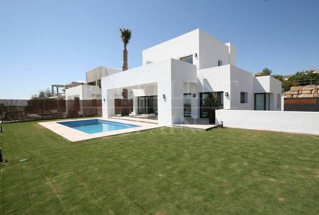 Atalaya Fairways, Benahavis, modern contemporary villas for sale