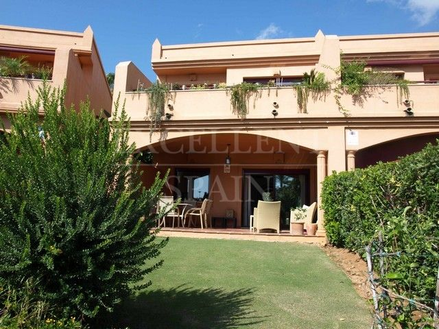 Riviera Andaluza, Estepona, townhouse front line beach