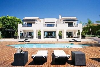 Los Naranjos Golf Club, Nueva Andalucia, modern villa for sale