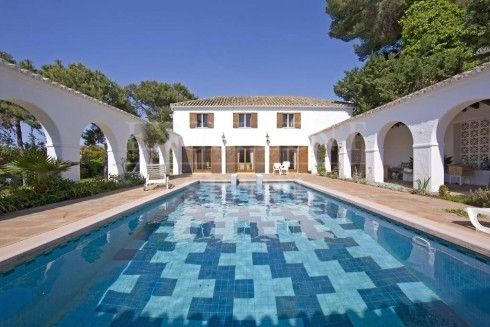Villa for sale in Los Monteros Beach side, Marbella
