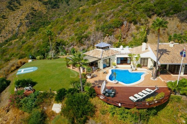 Villa for sale in Benahavis, Costa del Sol