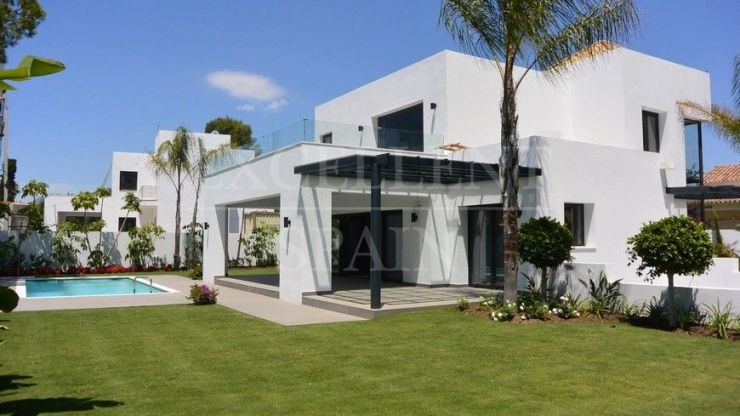 El Paraiso Barronal, Estepona, contemporary, modern, beachside villa for sale