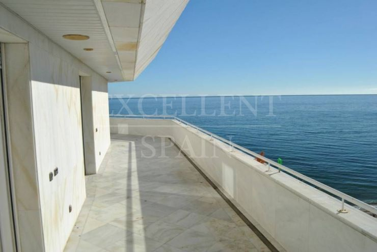 Mare Nostrum, Marbella center, frontline beach apartment with panoramic sea views for sale