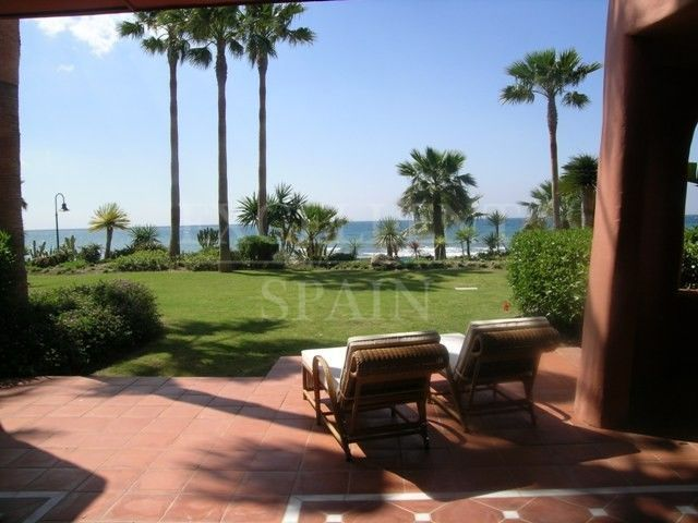 Menara Beach, Estepona luxurious apartment for sale