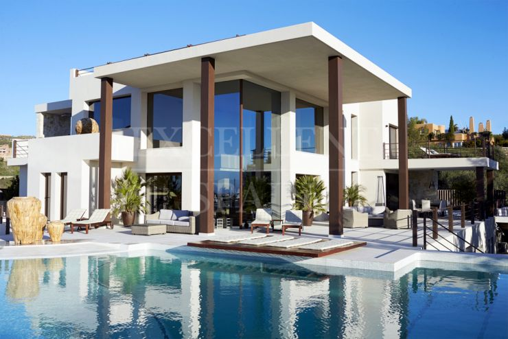 Brand new, contemporary design villa in La Alqueria, Benahavis for sale