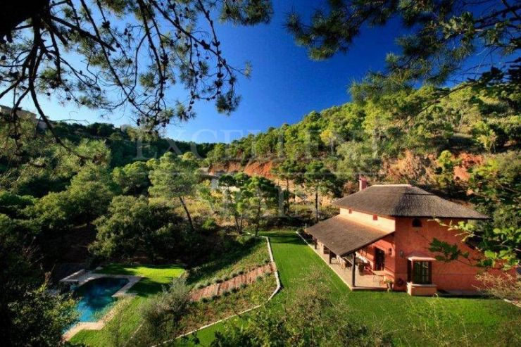 Benahavis, Marbella Club Golf Resort, charming villa for sale