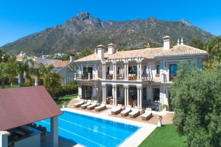 Villa for sale in Sierra Blanca Country Club, Istan